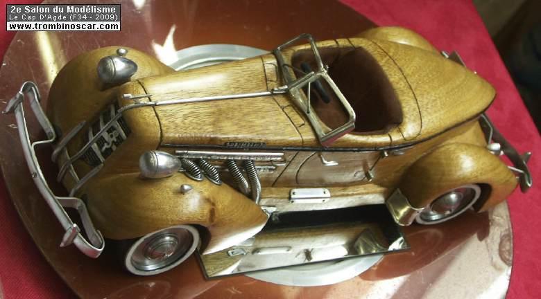 1935 auburn 8 851 spedster maquette bois. Black Bedroom Furniture Sets. Home Design Ideas