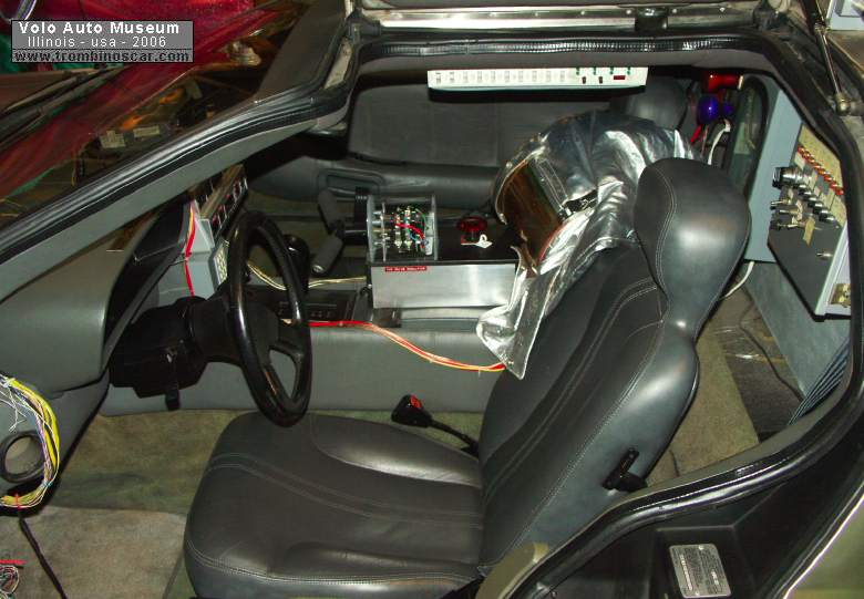 1981 delorean movie car for Le futur interieur