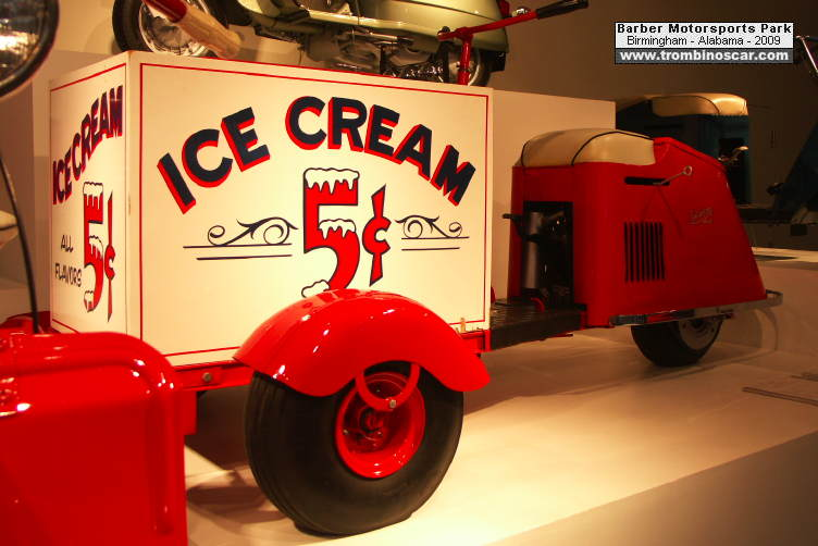 Barber Motorsports Park >> 1947 Cushman Ice Cream Tricycle
