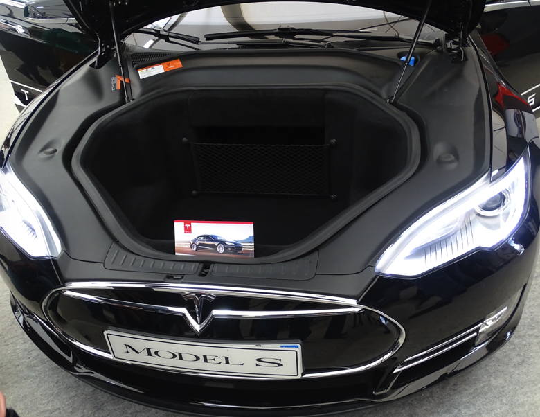 tesla la voiture am ricaine lectrique forum american breizh car. Black Bedroom Furniture Sets. Home Design Ideas